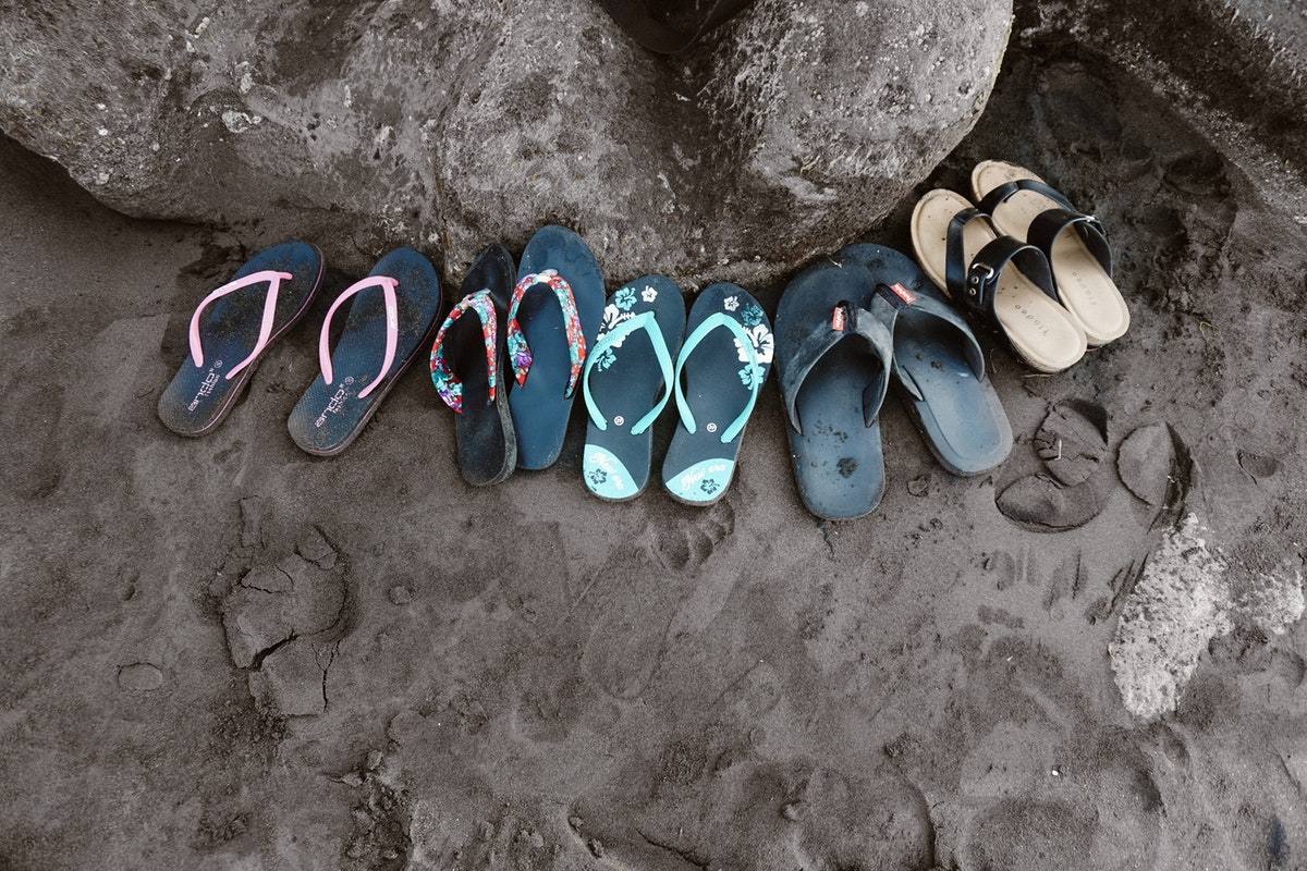 2f1175ec87e3 16 Pairs of Comfortable Flip Flops for Your Next Beach Vacation ...